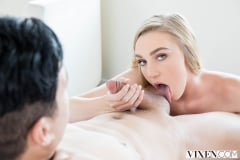 Kendra Sunderland - Sexting Right In Front Of Them (Thumb 04)