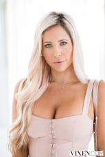 Tasha Reign - The Layover 2 (Thumb 04)